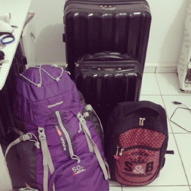E essas foram as minhas malas! Tirando a mochila menor, que veio vazia dentro da mala e troquei por uma bolsa.